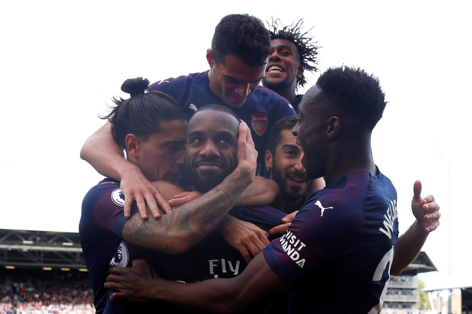 Arsenal thrash Fulham for ninth straight win