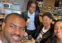 "Vincent Enyeama Releases Adorable Photo Lunching With His Family And Calls Them ""My Team"""
